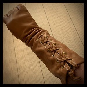 Coach soft leather lace up gloves vintage